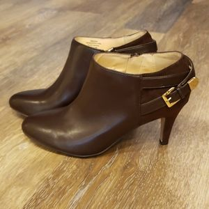 Unisa 'Unmargera' Ankle Booties